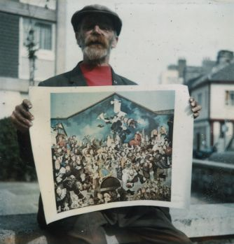 Diogenes with the first mural print 23.08.1977.jpg